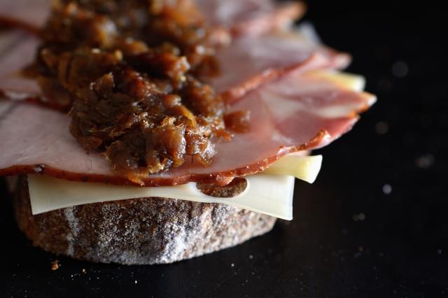 onion sandwich_055